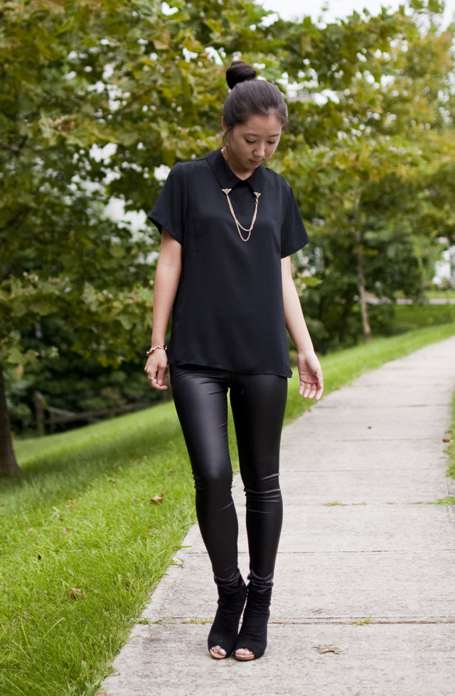 forever 21 chain link top, black pleather leggings, outfit of the day, all black outfit, faux suede booties, gold accents, gold jewelry