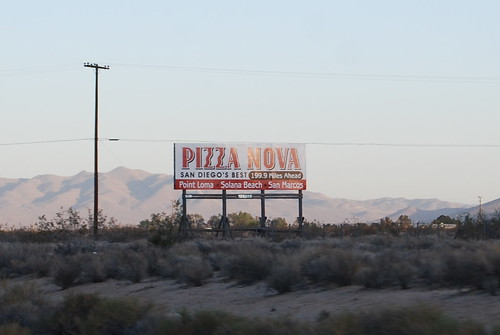 Pizza Nova sign