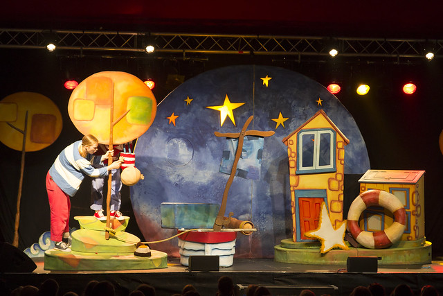"""Blunderbus Theatre Company, """"How to catch a star"""""""