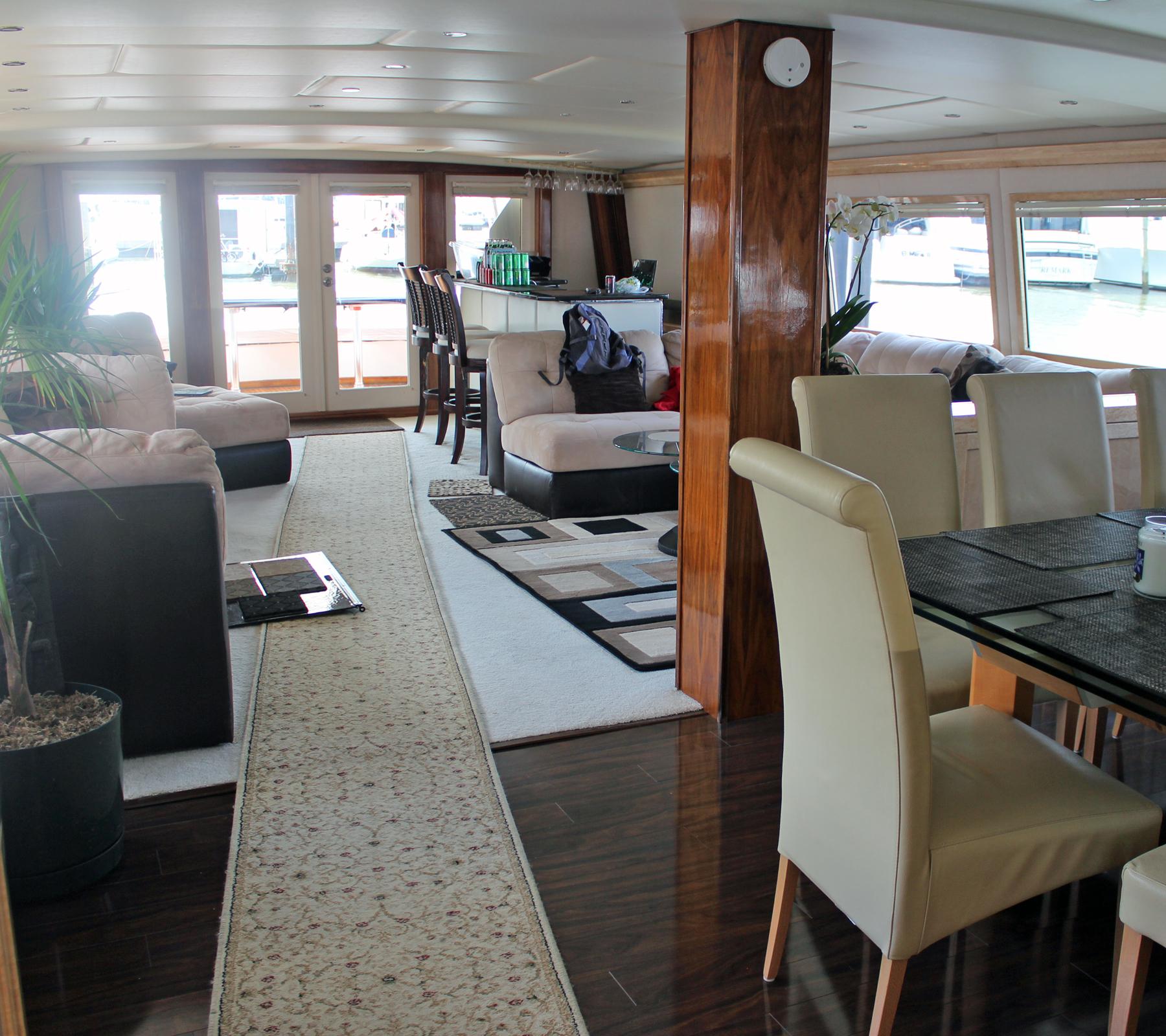 boat-interior-3