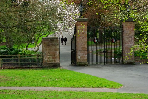 20130503-02_Strolling_Main Entrance Gates_Coventry War Memorial Park by gary.hadden
