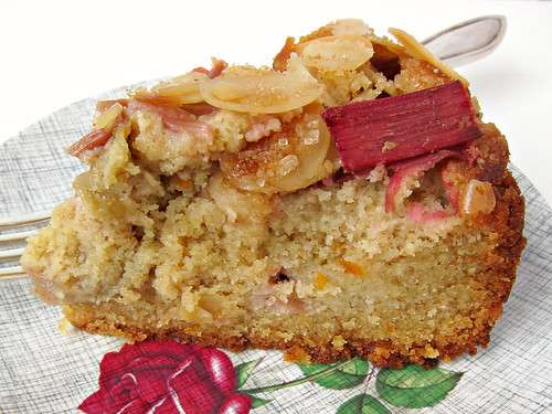 rhubarb and almond cake 2