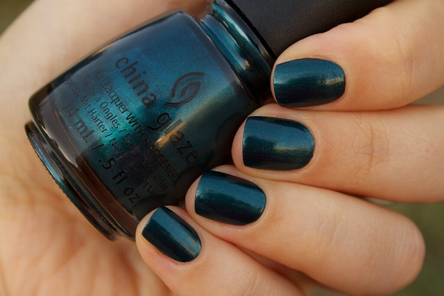 05 China Glaze Autumn Nights Tongue & Chic