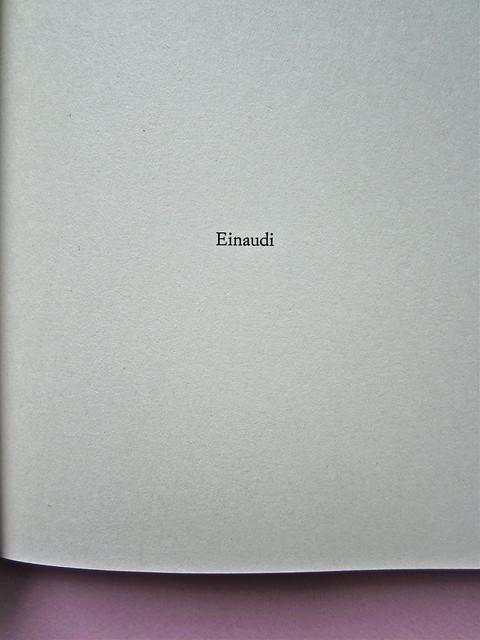 Alfabeto Poli, a cura di Luca Scarlini. Einaudi 2013. [resp. graf. e iconograf. non indicata]. Fotog. di cop.: ritr. b/n di P. Poli di G. Harari. Frontespizio (part.), 1
