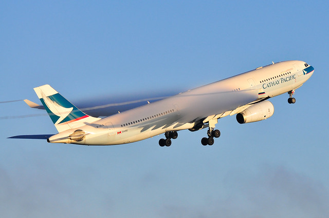 Cathay Pacific A330-300 B-HLS