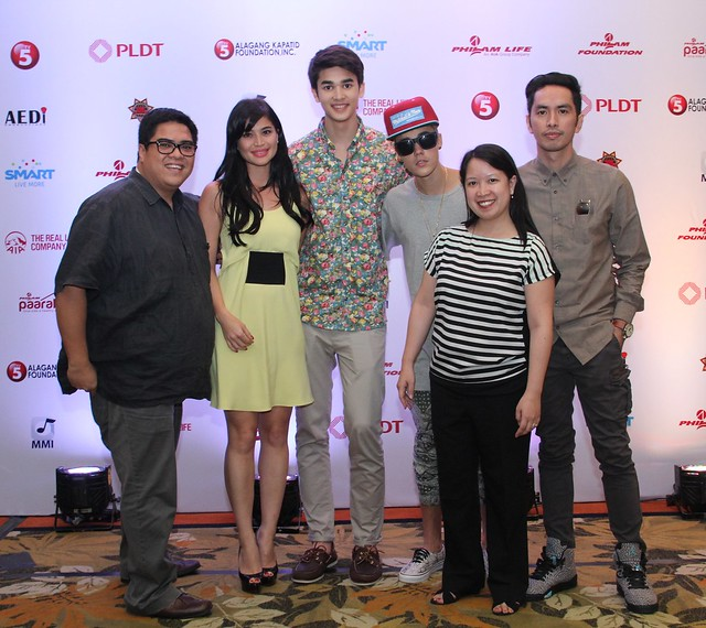 The Smart Broadband Team with Justin Bieber and endorsers Anne Curtis, Kobe Paras and Rico Blanco