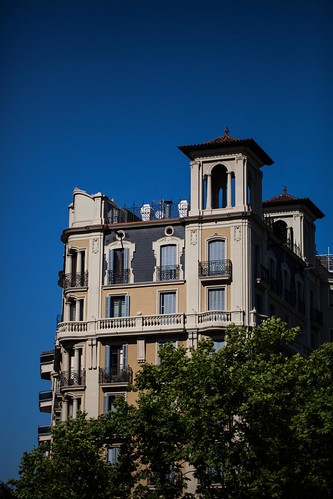 Barcelona Building 2 by esquimo_2ooo
