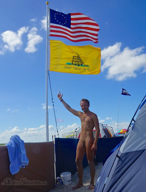 naturist 0000 4 July flag of USA @ Gunnison Beach, Sandy Hook, NJ, USA
