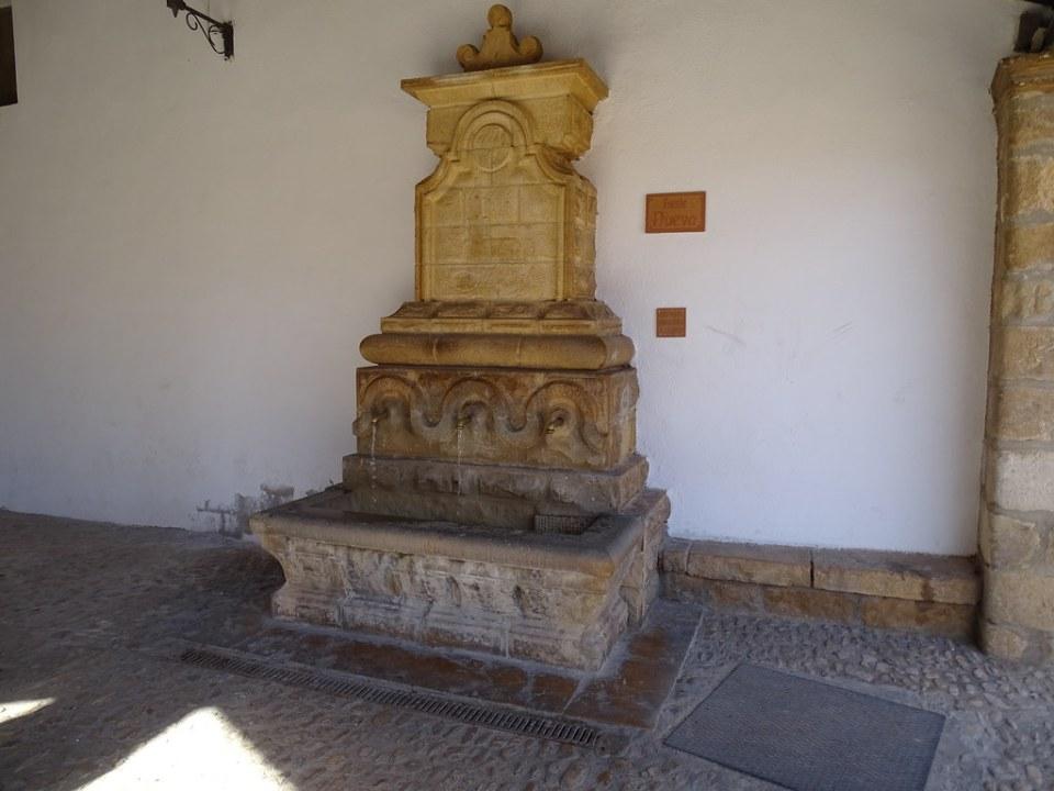 Fuente Nueva La Iglesuela del Cid Comarca del Maestrazgo Teruel 02