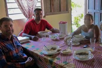 Na het luieren op Roatan kreeg ik een warm onthaal bij Proniño waar ik als vrijwilliger de handjes eens uit de mouw wilde steken.