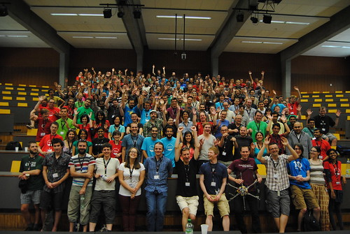 Guadec2013: Before the family photo