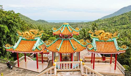 Chinese temple overlooking Chaloklum Bay
