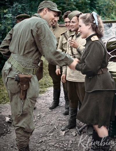 American soldier meeting a female Russian officer. Seoul, 1945