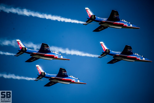 Patrouille De France.jpg by Simon Batty
