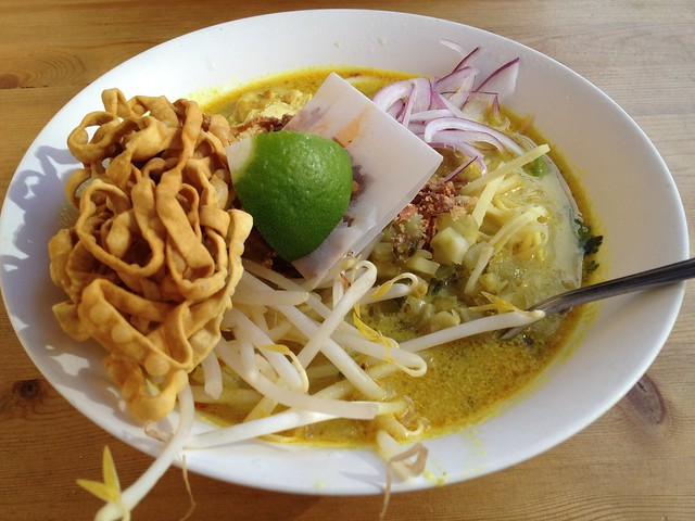 Chang Mai chicken curry egg noodles - Little Uncle