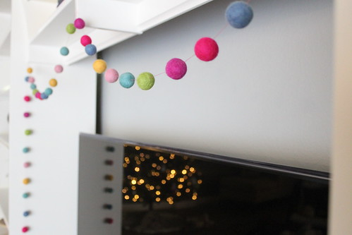diy felt ball garland