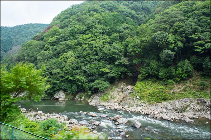 05082013Arashiyama_train-50