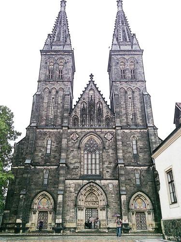 Día 1: Rep. Checa (Praga: Vysehrad, Nove Mesto, Edificio Danzante, Plaza de Carlos, Vinohrady, etc).