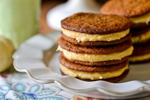 Pumpkin Cream Sandwich Cookies-13