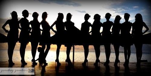 silhouetted beauties by ontheraks (slow and getting slower waaa)