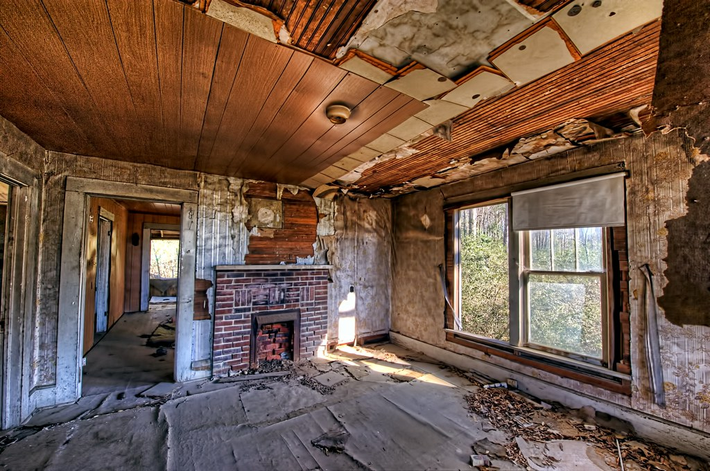 Abandoned House on Hwy 278 - Living Room