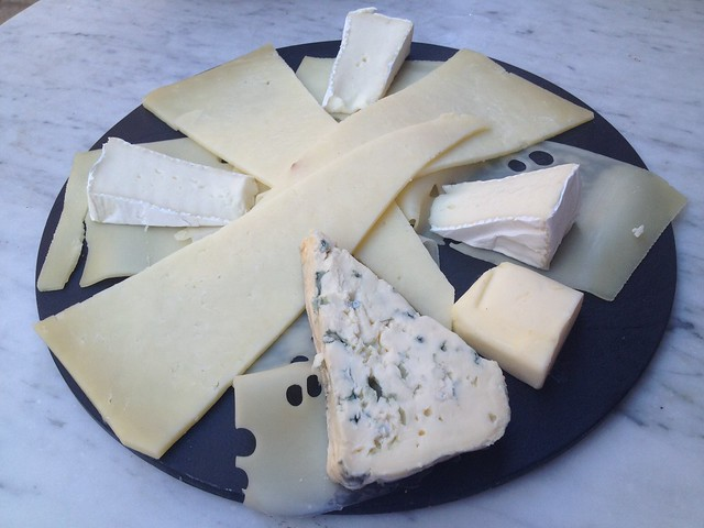 Assorted cheese plate - La Perle