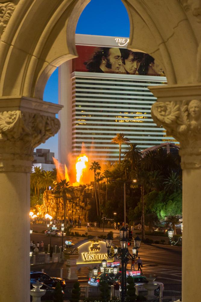 Vegas-12