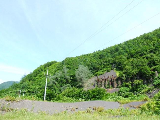 DSCF0909_道南のオーパーツ-上ノ国町-ロケットのようなもの
