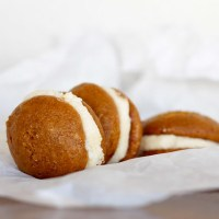 Pumpkin Whoopie Pies with Maple Mascarpone Frosting