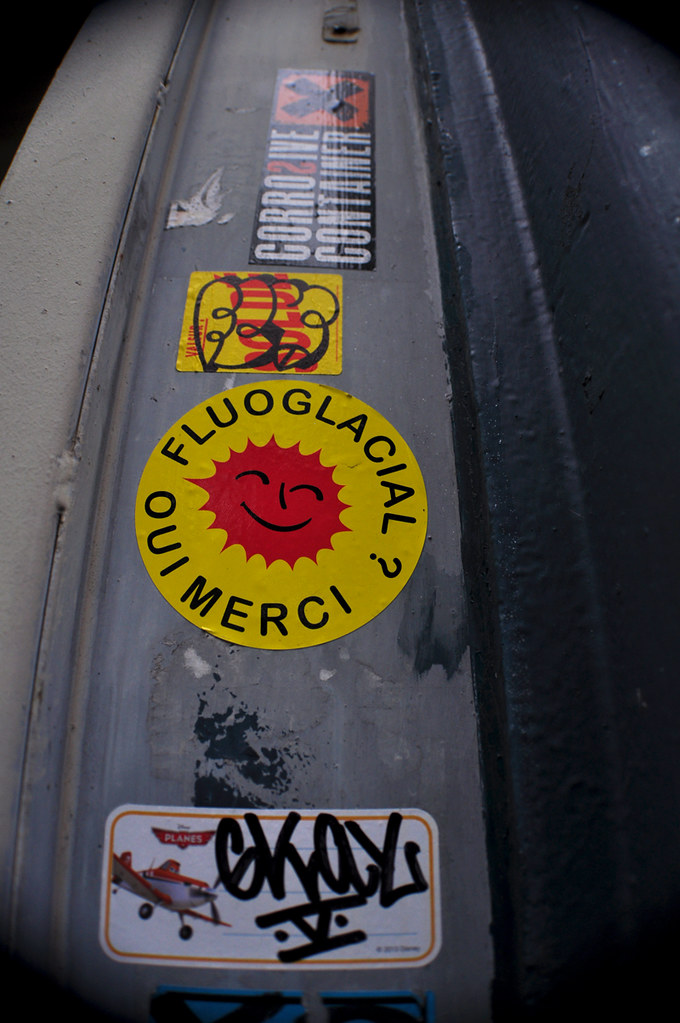 FluoGlacial Oui Merci, Gkay, Corrosive Container