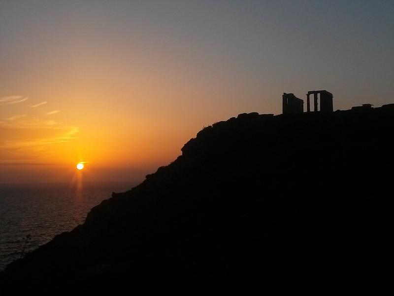 El atardecer desde el Cabo Sounion es sin lugar a dudas uno de los más mágicos que existen en el mundo. Cabo Sounion Cabo Sounion y el Templo de Poseidón 12173756123 a1abd8e95e c