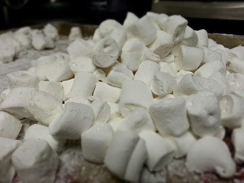 Homemade marshmallows by pipsyq