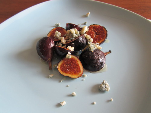 Figs w blue cheese and truffled honey
