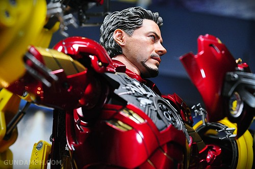 Hot Toys Iron Man 2 - Suit-Up Gantry with Mk IV Review MMS160 Unboxing - day3 (46)