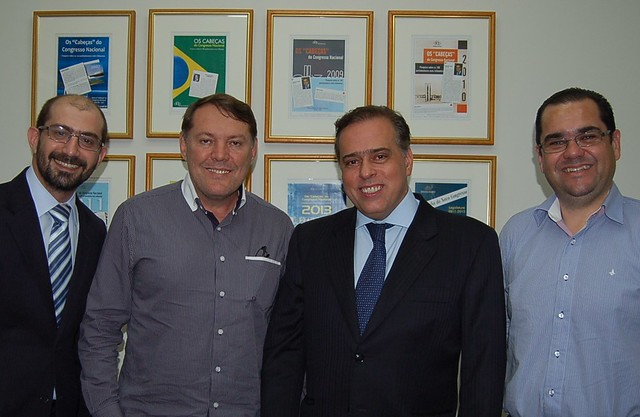 27 03 2014 Fervedouro André Myssior, Prefeito Carlos Corindon, de Fervedouro, Deputado Paulo Abi-Ackel e Luigi D'Ângelo