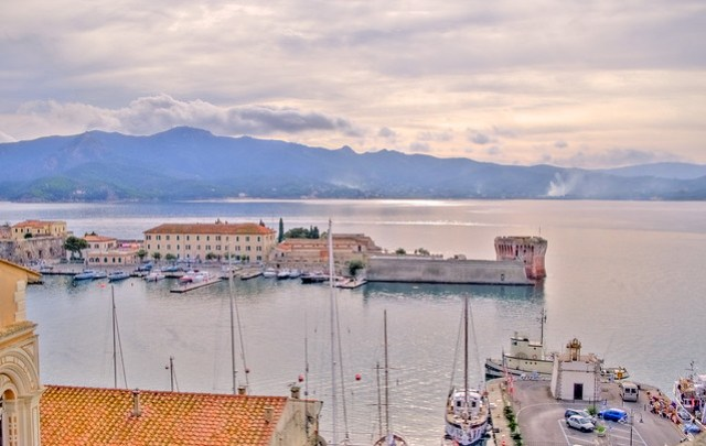 Portoferraio, il porto (HDR)