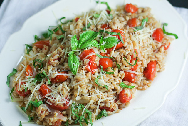 one pan farro with tomatoes [ inthiskitchen.com ]