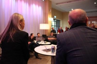 Karin Veres, SON:s vd, och Christian Lindberg, dirigent, kunde se ut över en stor och intresserad publik vid presskonferensen.