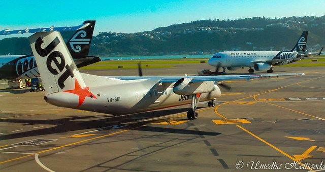 Jetstar Airways De Havilland Canada DHC-8-300 VH-SBI