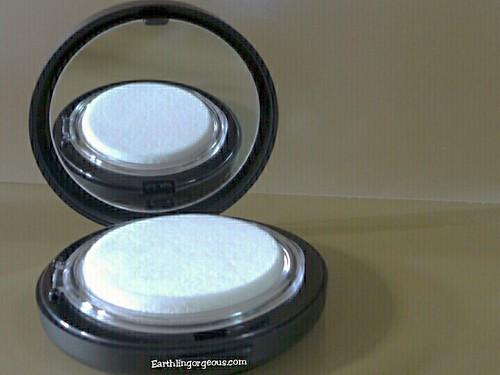 Holika Holika Small face CD pact review