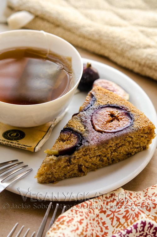 This Vanilla Fig Cake is dotted with vanilla bean caviar, oil-free, super moist, and topped with sweet figs. Perfect with a cup of tea! Vegan, Soy-free
