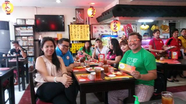 Nemoto with the bloggers