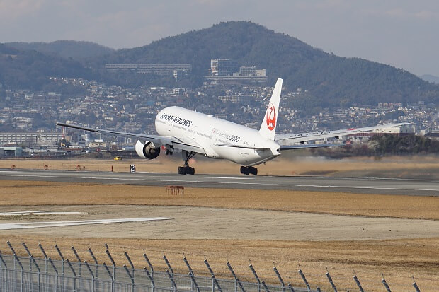 170309 JAL B777-300離陸1