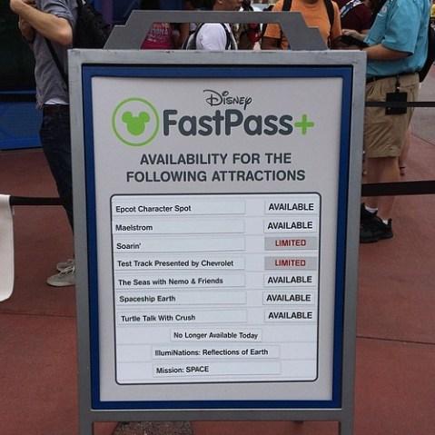 FastPass+発券状況。人気のアトラクションはなくなるのが早い。