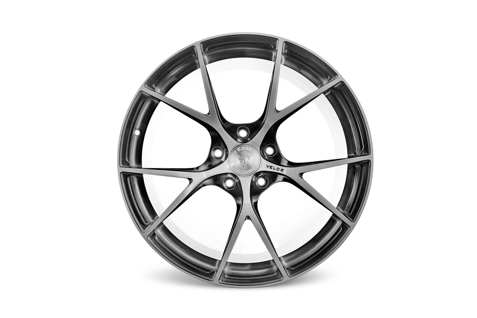 H R Tires