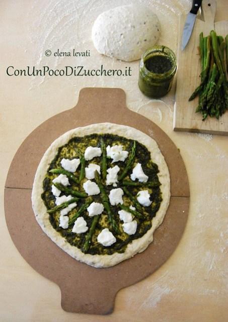 Pizza al pesto raw