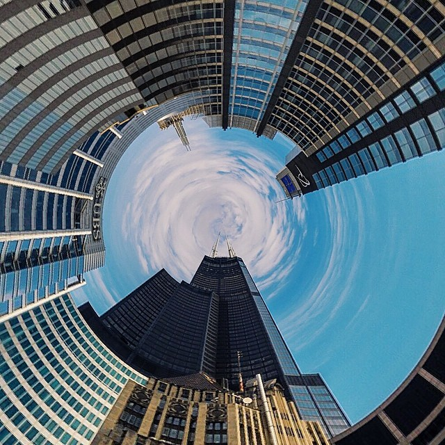 Willis Tower. {#vscocam #vsco #vscophile #vscochicago #chicago #chicagoisbeautiful #igerschicago #instachicago #willistower not the #searstower}