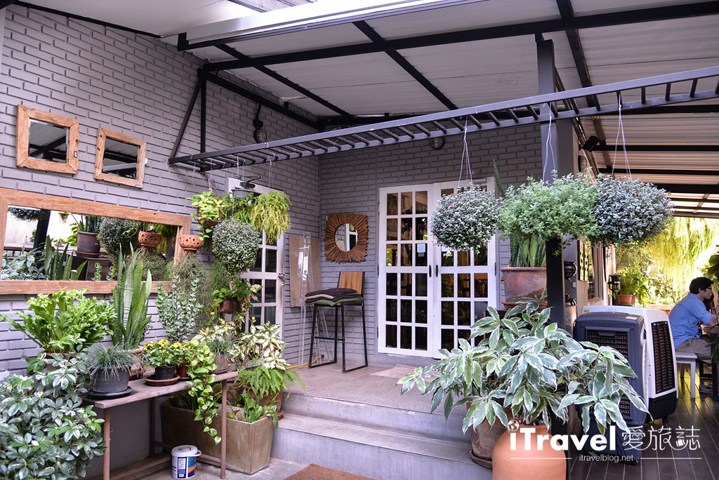 《清迈美食餐厅》Woo Cafe 文青轻食咖啡馆,在生活选物风格与花草环绕氛围畅快聊天吧