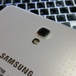 กล้องดิจิตอลด้านหลังของ Samsung Galaxy Tab S 8.4