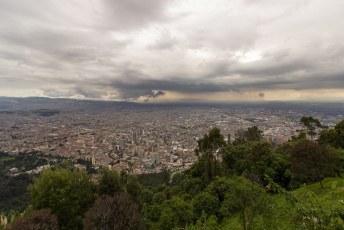 Uitzicht over Bogota vanaf el cerro de Montserrate.